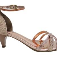 Sandálias de salto baixo - dicas de uso e modelos