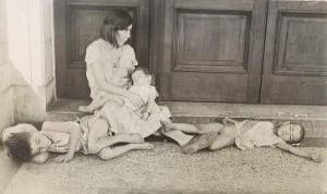 familia-cubana-indigente-1933-c2a9walker-evans-archive-the-metropolitan