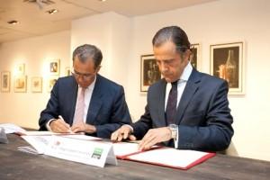 El Consejero de Economía Enrique Ossorio y el Director de Comunicación y Relaciones Externas de El Corte Inglés Diego Copado