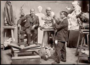Francisco GOÑI. Cajal posando para el escultor Terol