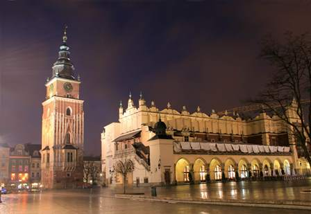 Krakow_Old-Town-Market-and-Cloth-Hall - copia