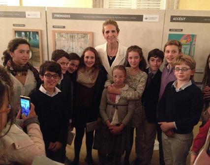 Alumnos del Colegio de Nuestra Señora del Recuerdo (Madrid) con la Infanta Elena