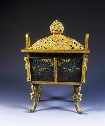 incensario-de-cobre-esmaltado-y-dorado-en-forma-de-ding-reinado-jingtai-1449-1457-c-nanjing-museum