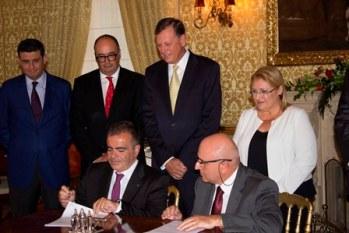1-firma-acuerdo-suite-vollard_malta