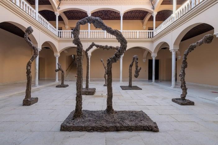 Sete esculturas de bronze de Miquél Barceló vão ocupar o patio central do Museo Picasso Málaga. Allumettes I, III, IV, V, VIII, IX, XIII. 2015. Esculturas em bronze. Coleção do artista.