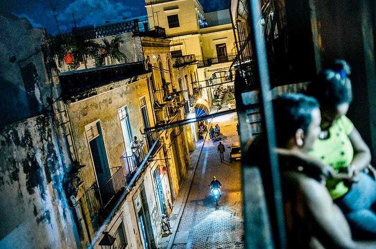 Engin Güneysu. La Habana: When the night comes. (Portada).