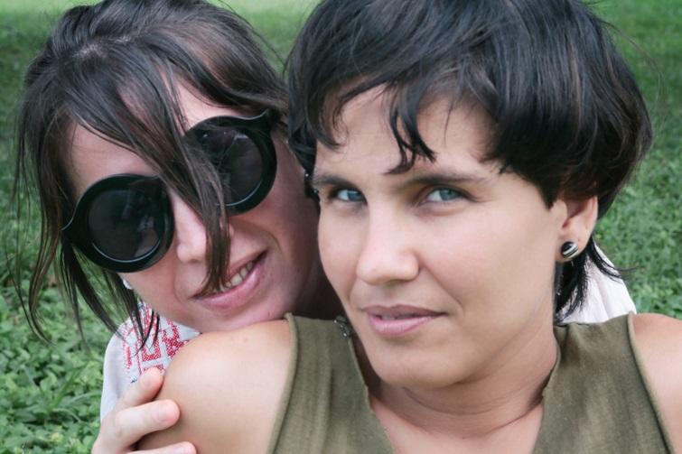 Legna Rodríguez y Jamila Medina (de izquierda a derecha) / Foto: Cortesía de la autora