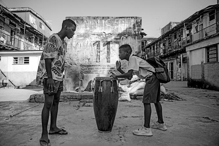 Fernando Florit. Rompe el cuero. Solar El 11 (El Cerro, La Habana).