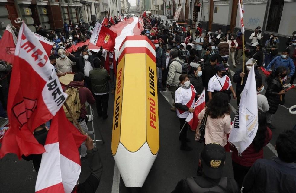 Perú existe y resiste