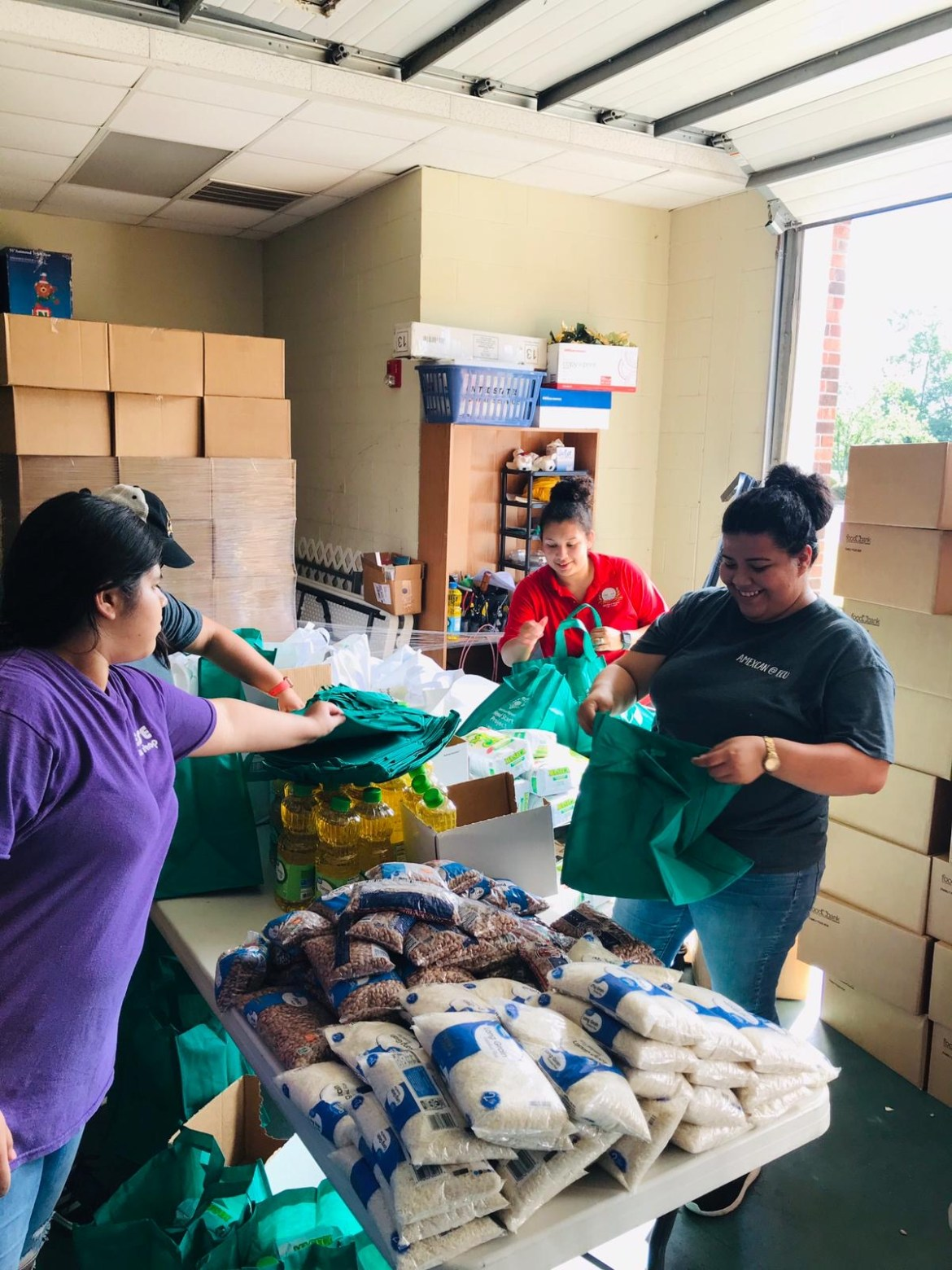 AMEXCAN distribucion de alimentos a familias vulnerables
