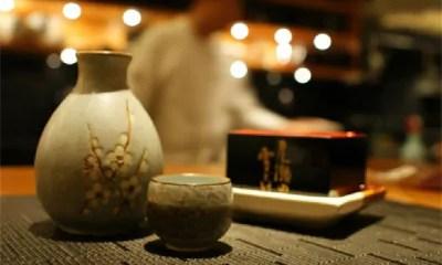 HOJE é o Dia Mundial do Saquê. Confira maneiras de harmonizar a bebida