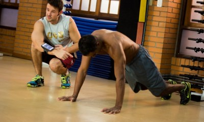 """5 exercícios para perder a """"barriga de chopp"""""""