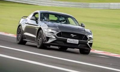 Ford Mustang atinge o marco de 500 emplacamentos no Brasil