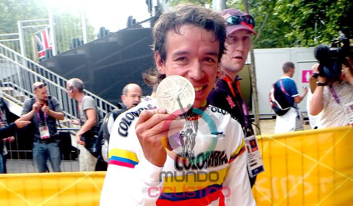Urán puso a celebrar a toda Colombia con su medalla de plata en la prueba de Ruta Olímpica