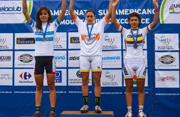 Laura Abril en lo más alto del podio