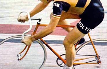 El gran corredor belga Eddy Merckx batiendo el Record de la Hora en Ciudad de México