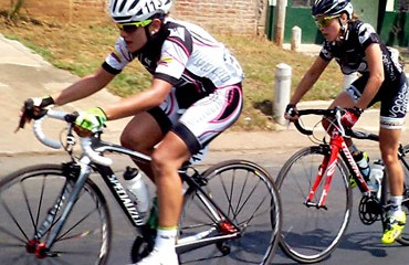 Sérika Gulumá esta en el podio de la Vuelta