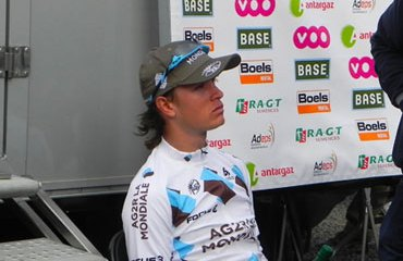 Carlos Betancur se mantiene en el top 12 de la carrera