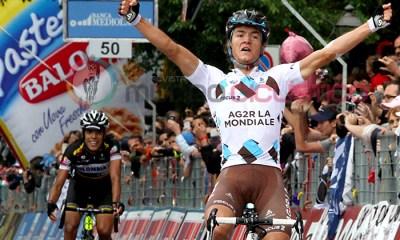 Carlos Betancur que fue 2 en la etapa tenía dañado el radio y pensó que había ganado la fracción de este domingo. Atrás un Jarlinson Pantano que fue 3º en la etapa