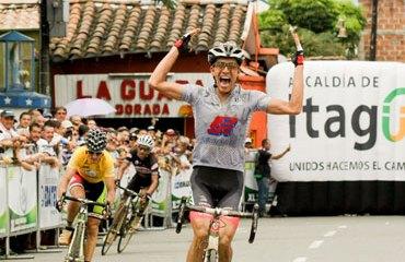 Millán celebró en Itagüí su primera gran victoria en la élite nacional de 2013