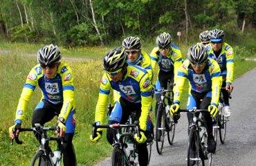 El 4-72 Colombia listo para competir en Canadá