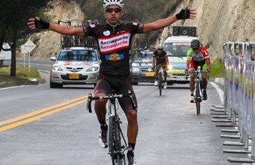 Ramírez llegó en solitario al Alto de Mondoñedo