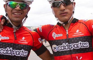 John Martínez y Salvador Moreno bien ubicados en la general