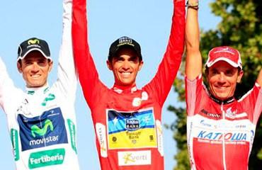 El podio de la pasada Vuelta a España encabezado por Alberto Contador
