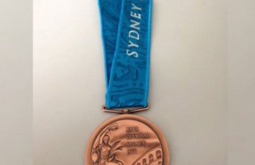 Esta es la medalla de bronce que devolvió Armstrong