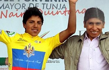Hernán Aguirre recibió el título de manos del subcampeón del Tour, Nairo Quintana