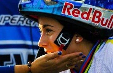 """La Tata"" suma ahora una medalla Bolivariana a su rica vida deportiva"