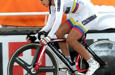 Lorena Vargas corriendo una Copa Mundo en Cali