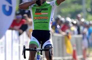 Flavio Cardoso celebra la victoria conseguida en Brasil