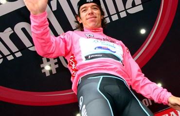 El genial escarabajo paisa tras su primer día como líder del Giro
