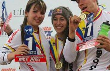 Mariana Pajón, Carlos Mario Oquendo y Andrea Escobar