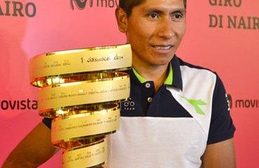 Quintana con el trofeo de campeón de la 'Corsa Rosa' 2014
