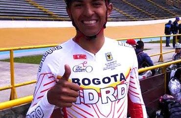 Diego Germán Dueñas medalla de oro a Bogotá con la prueba del kilómetro final hombres C4