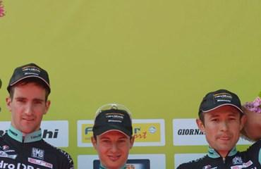 Podio para tres integrantes del equipo italiano I.Idro Drain Bianchi, Gerhard Kerschbaumer (segundo), Tony Longo (primero), Leonardo Páez (tercero).