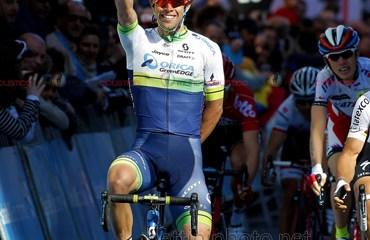Michael Matthews ganador de etapa y líder de la Vuelta al País Vasco