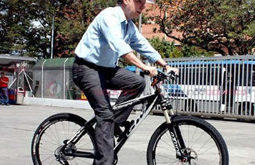 Presidente Juan Manuel Santos dará largada de Vuelta a Colombia este domingo