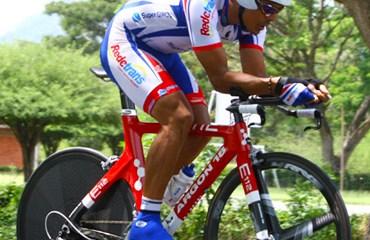 Víctor Hugo Peña, se alista para Ironman de Panamá 2016