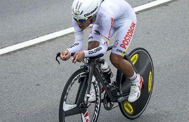 Daniel Felipe Martínez, en mejor de los 'escarabajos' en la CRI del Tour de