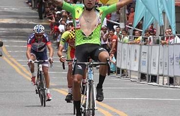 Gaviria fue el vencedor en un día muy triste para la Vuelta de la Juventud y el Ciclismo de Colombia