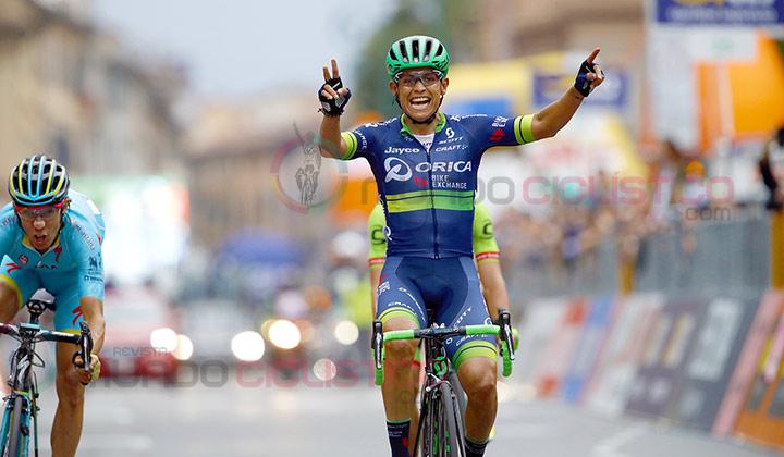 Esteban Chaves unió su nombre al de las leyendas del ciclismo mundial con podio en Grandes Vueltas y Monumentos