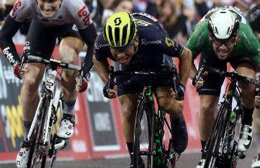 Caleb Ewan vencedor de última etapa del Abu Dhabi Tour