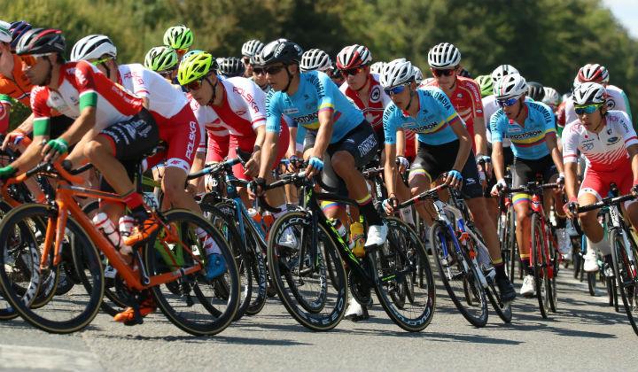Iván Ramiro Sosa a la espera de la montaña en el Tour de L'Avenir 2018 (FOTO FCC)