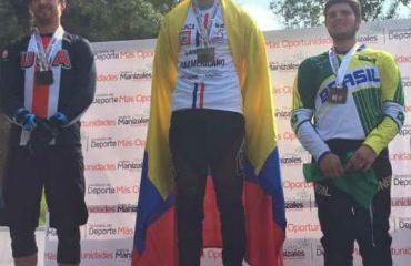 Rafael Gutiérrez, bicampeón Panamericano de DownHill en Manizales (Foto FCC)