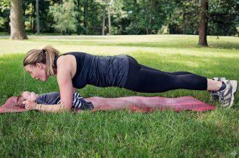 123015_Workout_with_Toddler_Workout_with_Toddler_Blog_730x485_RB