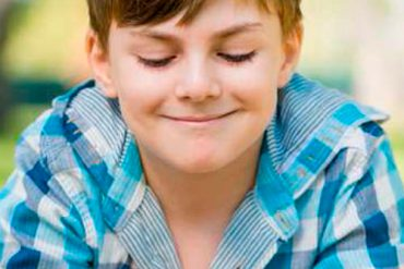cómo aprovechar el verano para desarrollar el pensamiento crítico de tus hijos