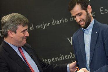 Miguel Cardenal entrega la medalla de bronce de la Real Orden del Mérito Deportivo a Carlos Matallanas 1